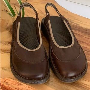 Chaco Leather & Canvas Slingback Clogs sz 10 or 40
